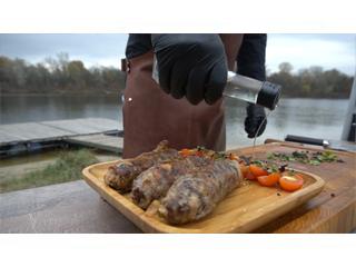 Колбаски из 3-х видов мяса от Лайпакова на гриле Broil King. Рецепт для гриля