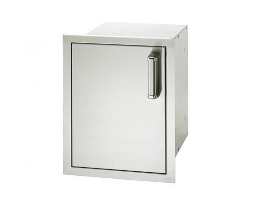 Встраиваемая дверка с ящиками и